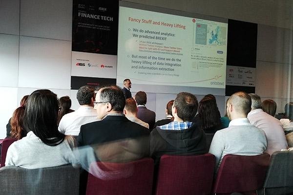 Виктор Донков предостави симултанен превод на Finance Tech Forum