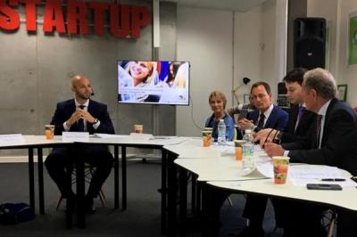 """Дискусия на тема """"Европейски измерения на обучението по предприемачество"""""""